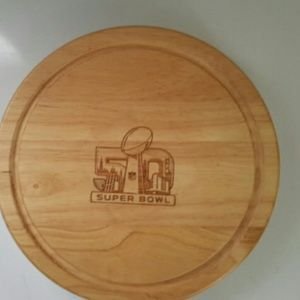 NFL Kitchen - Circa cheese board and tool set ,NEW